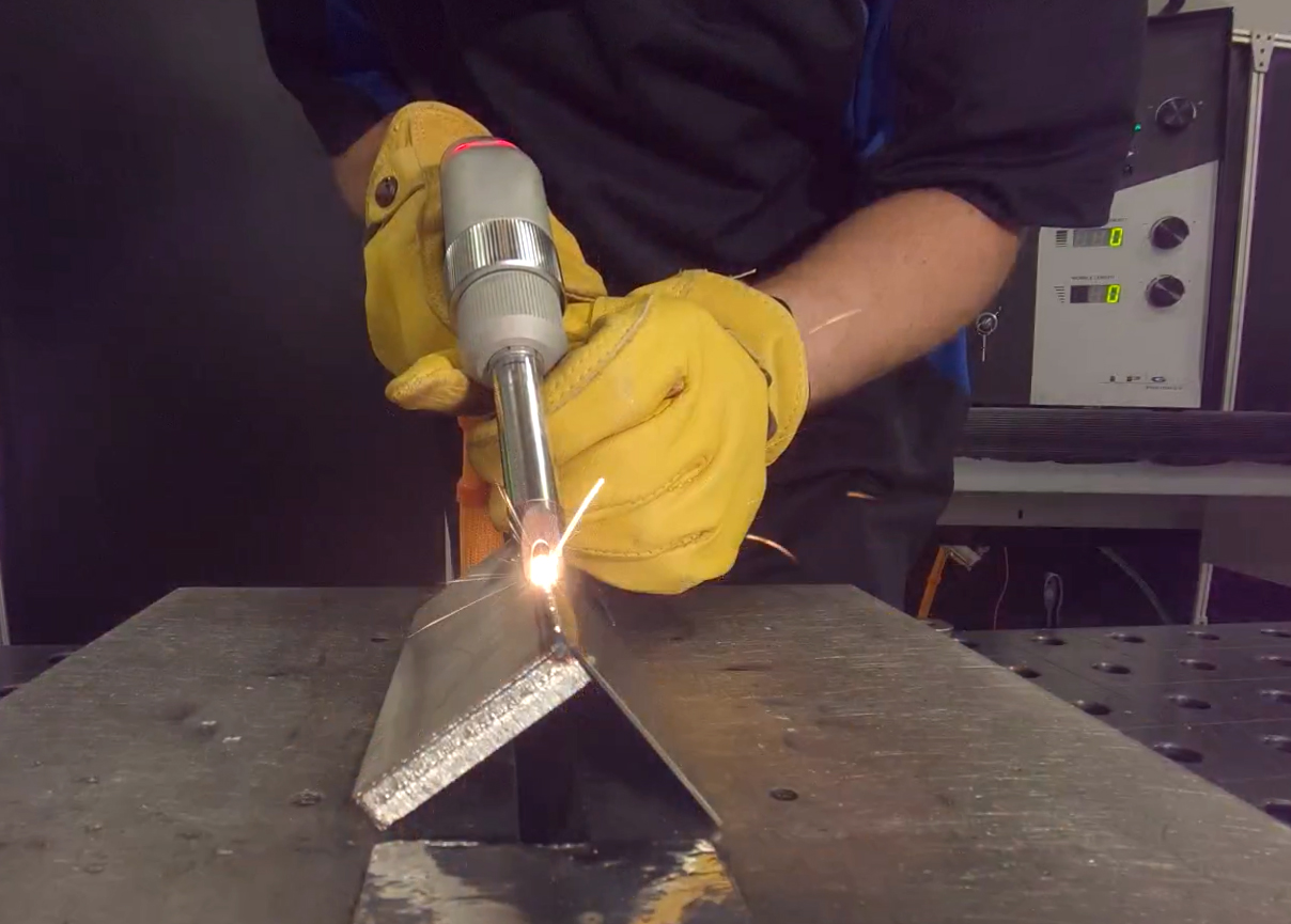 Soldador a laser portátil
